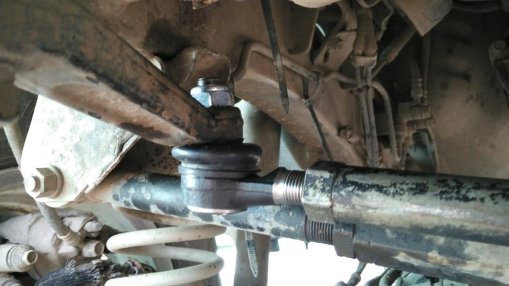 Замена рулевых наконечников Jimny
