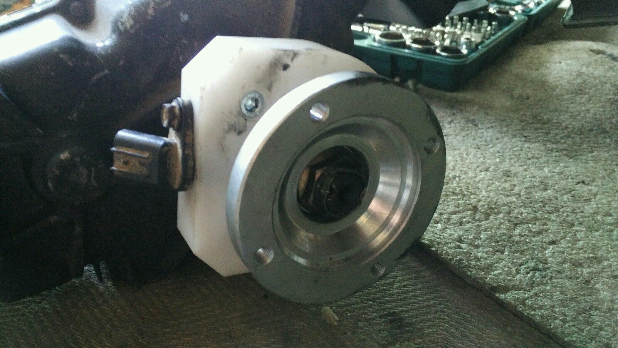 Адаптер датчика скорости и флянец под задний кардан ja11