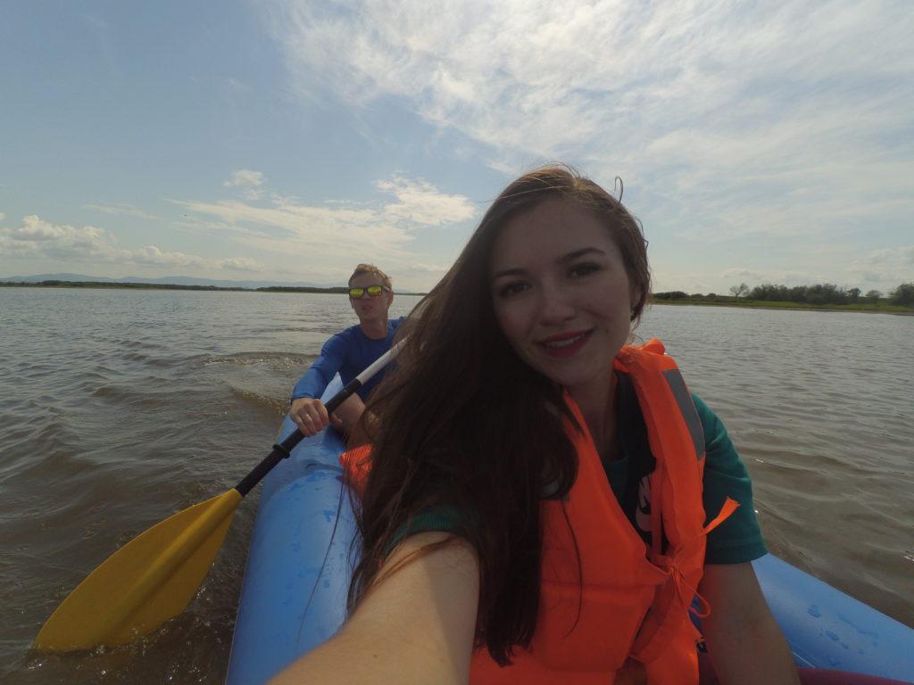 сплав по реке на каяке